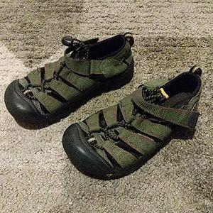 Keen Forest Green Sandals 13
